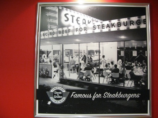 Steak n Shake restaurant at night from 1950s