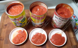 pizza-sauces-trio-overhead