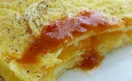 SAAS Onion & Garlic on eggs closeup