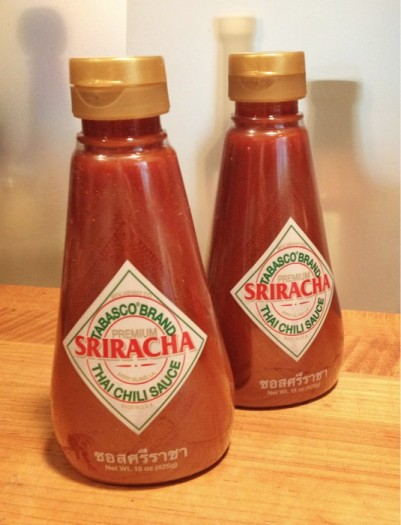 We review the new Tabasco Sriracha Sauce - good lookin' bottles!